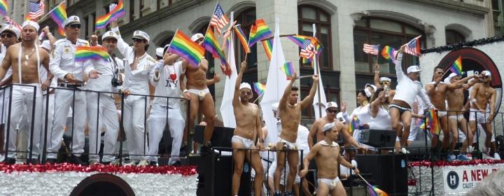 Parade_sailors_sml